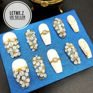 Press on Nails Glue On Long Coffin White Flower